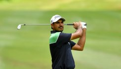 Bhullar goes par, Shubhankar out of bounds