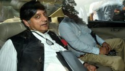 Police to give documents to Tharoor in Sunanda case