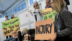 Katowice COP24: Protesters raise the alarm on climate