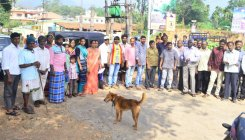 Protest against pothole-ridden Kalasa Road