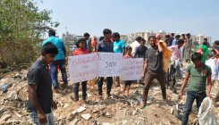 March organized in support of evicted migrant workers