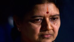 20I7 raids: IT officials to question Sasikala
