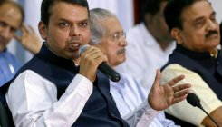 SC notice to Fadnavis on plea against his election