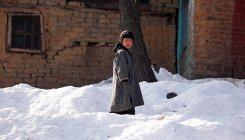 Kashmir, Ladakh continues to reel under intense cold