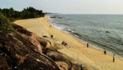 Drowning mishap in Someshwara Beach, child dead