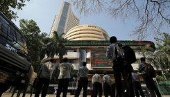 Indian equities advance for 2nd session on global cues