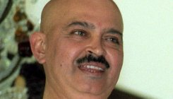 Rakesh Roshan undergoes surgery, says Hrithik