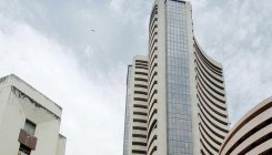 Sensex rallies 465 pts; IT stocks shine