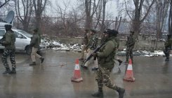 Three policemen injured in Srinagar grenade attack