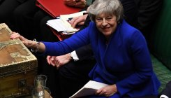 May wins confidence vote, seeks to end Brexit stalemate