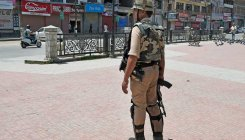 J&K police issues advisory to prevent weapon snatching