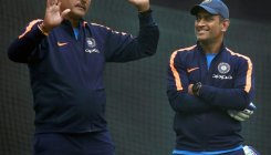 Never seen Dhoni get angry, says Shastri