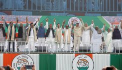 Oppn parties join hands at Mamata rally to oust Modi