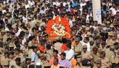Sitharaman, Gowda to attend funeral of Shivakumar Swami