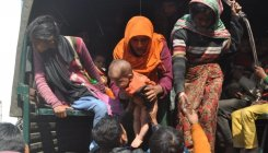 Stranded Rohingyas handed over to police
