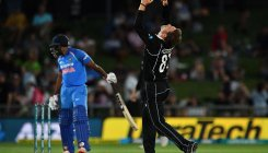 A touch of sun: Fierce sunset halts NZ-India match