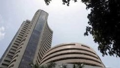 Sensex ends 87 pts up; RIL, Yes Bank lead recovery