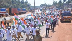 Congress padayatra from Talapady to Pumpwell