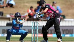 Indian women's team loses 3rd T20I