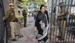 CBI told not to arrest PC's wife for 6 weeks