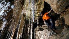 Israelis unveil 'world's longest salt cave'
