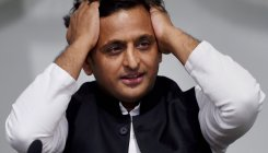 Akhilesh in a huddle with SP leaders post poll results