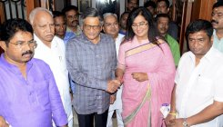 Sumalatha to consult supporters before supporting BJP