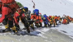 Nepal looks to limit Everest access after deaths
