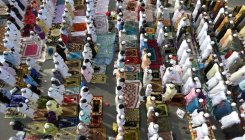 Eid-ul-Fitr celebrated with fervour in T'gana