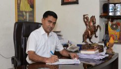 Goa CM agrees to revisit medical bond issue