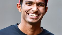 Unfit Bhuvi prompts India to summon Saini as net bowler