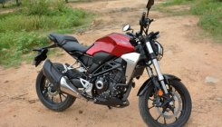 Honda CB300R – a great package for the city or highway