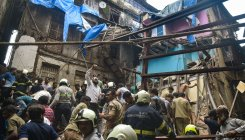 Mumbai building collaps: Death toll shoots to 13