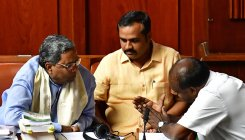 'Half lawyer' Siddaramaiah saves day for 'dosti' govt