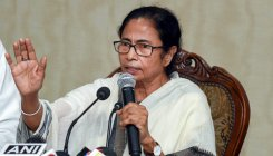 Mamata slams UP govt for detaining Priyanka