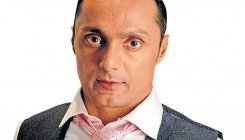 Rahul Bose goes nuts over two bananas billed for Rs 442