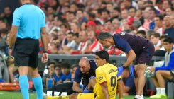 Barcelona confirm Suarez suffered leg injury in La Liga