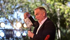 Jeffrey Archer back with new series