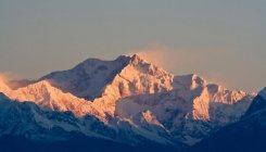 India opens up for foreigners 137 Himalayan peaks
