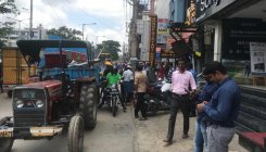 BBMP removes footpath encroachments in Mahadevapura