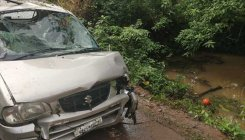Four persons killed as car plunged into pond in Puttur