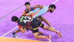 PKL 2019: Bengal Warriors beat Bengaluru Bulls 42-40