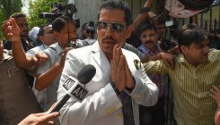 Haryana govt to cancel Robert Vadra's land rights