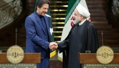Imran Khan discusses Kashmir issue with Rouhani
