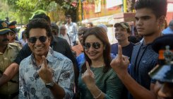 Tendulkar asks people to vote for 'better tomorrow'
