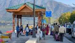 Tourist footfall picks up gradually in Kashmir