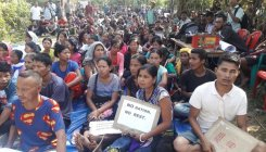'Hungry' Bru refugees block Tripura road seeking ration