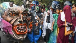 Halloween-themed rally against single-use plastic
