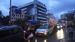 Heavy rain throws traffic out of gear in Mangaluru