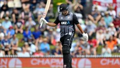 De Grandhomme helps New Zealand to 180 against England